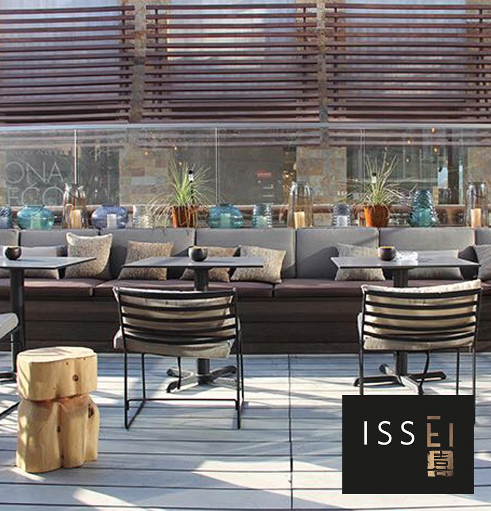 Proyectos cojines restaurant Issei-violeta decoraciones