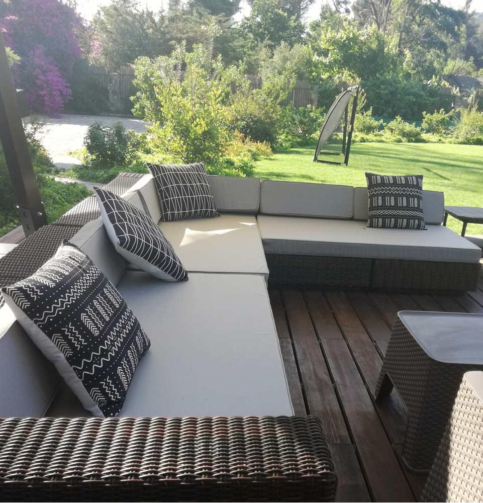 cojines a medida para terraza en lona impermeable violeta decoraciones