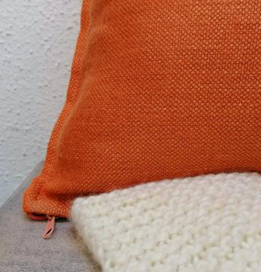 Cojín de lino belga color lacre